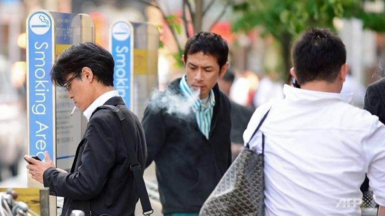 japan-smoking